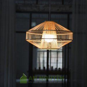 Đèn Mây Tre: Mẫu đèn phong cách rustic trang trí hành lang lối đi