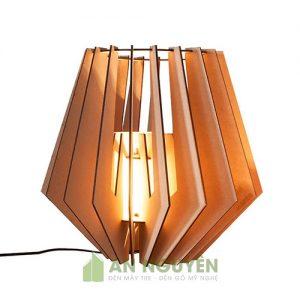 Đèn gỗ để bàn trang trí cực kỳ dễ thương DG043