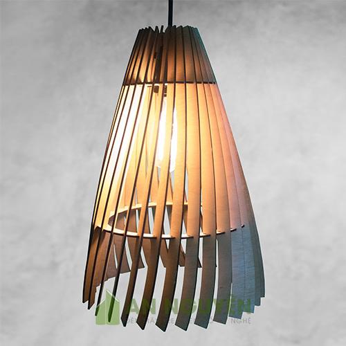 Hình-ảnh-Đèn-gỗ--Mẫu-đèn-gỗ-thả-trần-hình-nơm-cá-trang-trí-phòng-khách-DG040