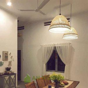 Đèn Mây Tre: Mẫu đèn mây tre đan có khoen tròn trang trí quán cafe Phi 45 H 30cm