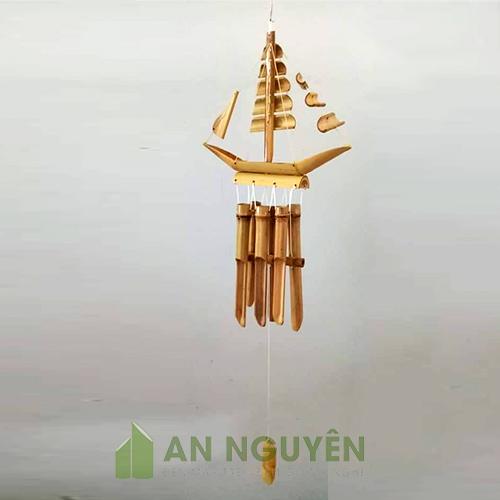 Chuông gió: Mẫu chuông gió bằng tre hình con thuyền trang trí homestay