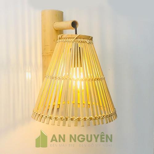 Đèn Mây Tre: Mẫu đèn vách bằng cật tre trang trí quán ăn, nhà hàng