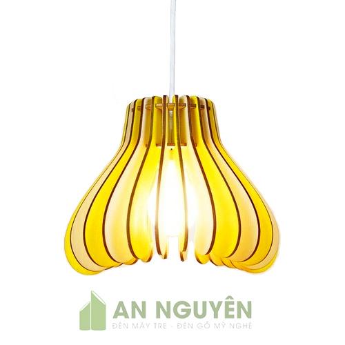 Đèn Gỗ: Mẫu đèn gỗ nhỏ có thể thả chùm trang trí bàn ăn