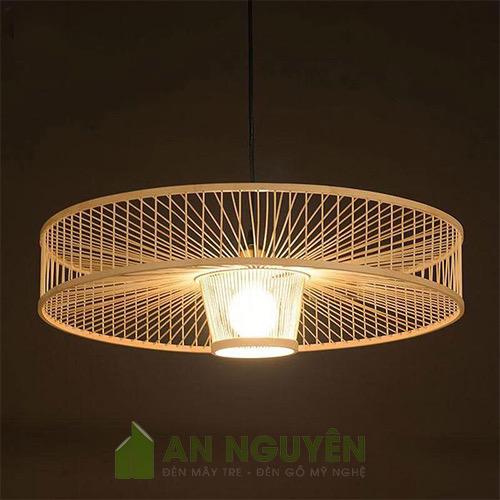 Đèn Mây Tre: Mẫu đèn thả tăm tre như hình bánh xe