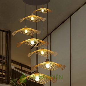 Đèn Mây Tre: Mẫu đèn nan tre đan hình lá sen có vành