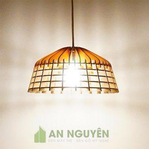 Đèn Gỗ: Mẫu đèn gỗ thả trần trang trí bàn ăn nhà hàng, khách sạn