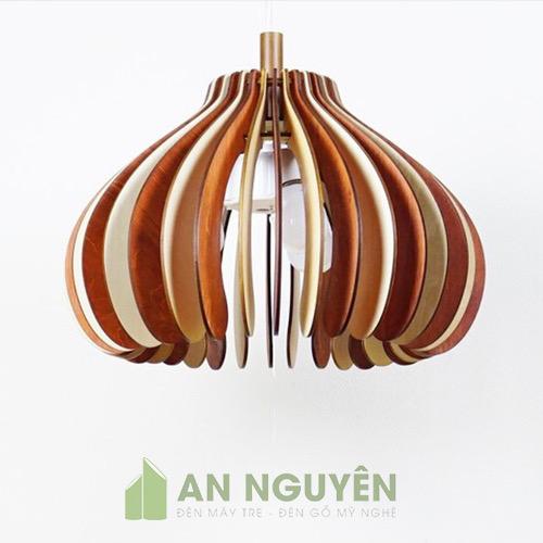 Đèn Gỗ: Mẫu đèn thả gỗ như bông hoa chớm nở trang trí bàn ăn